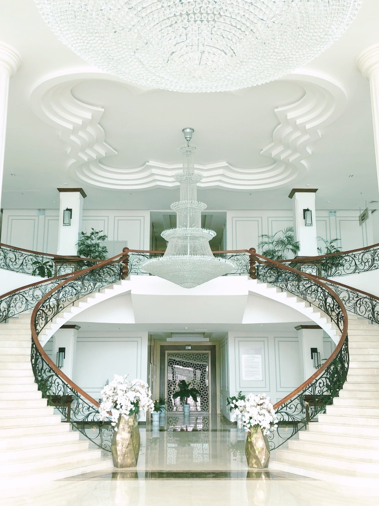 LySon-HotelLobby-LoneStarPineapple.